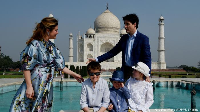 Indien Prominente am Taj Mahal Justin Trudeau mit Familie (Getty Images/AFP/M. Sharma)