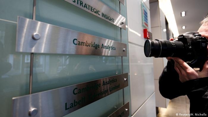 Großbritannien Sitz von Cambridge Analytica in London (Reuters/H. Nicholls)