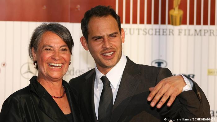 Мориц Бляйбтрой с мамой Моникой