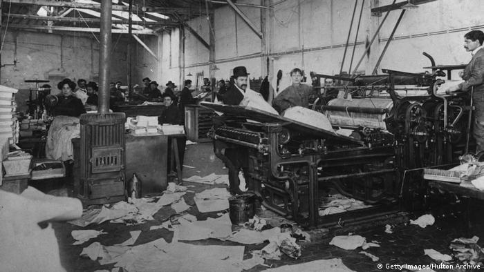 Paris Fabrik 1900