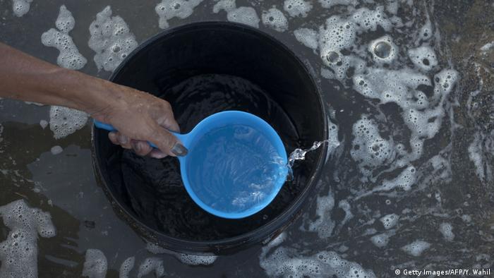 Indonesien - Wasser (Getty Images/AFP/Y. Wahil)