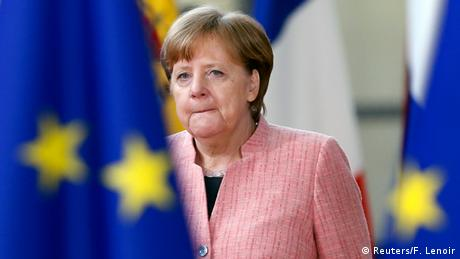 Όλο και λιγότεροι Γερμανοί στηρίζουν τη Μέρκελ
