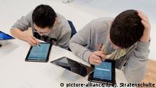 Digitalisierung im Schulunterricht (picture-alliance/dpa/J. Stratenschulte)