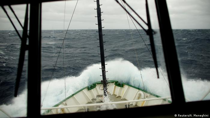 Waves crash into a research ship at the Drake Passage as it heads towards the Antarctic Peninsula (Reuters/A. Meneghini)