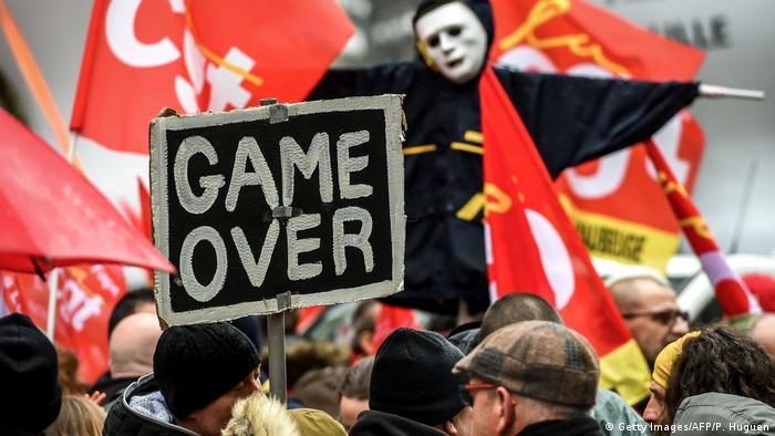 Landesweiter Streik in Frankreich Ausschreitungen (Getty Images/AFP/P. Huguen)