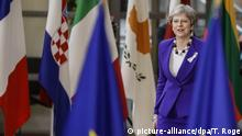 British PM Theresa May gets backing from the EU over a suspected Russian nerve agent attack. (picture-alliance/dpa/T. Roge)