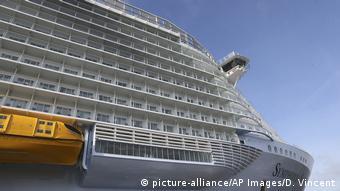 Το Symphony of the Seas είναι το μεγαλύτερο κρουαζιερόπλοιο στον κόσμο.