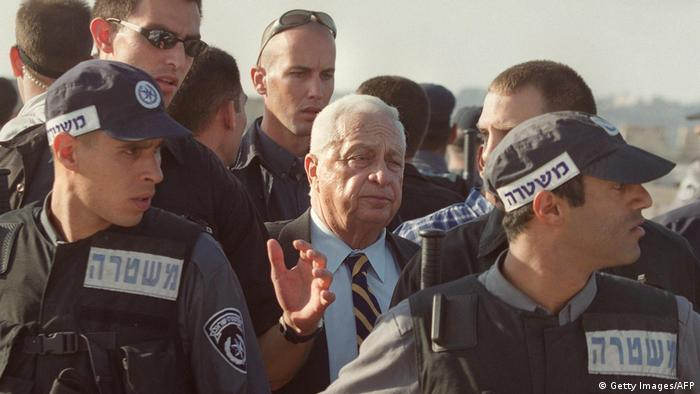 Ariel Scharon auf dem Tempelberg im Jahr 2000
