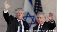 Donald Trump und Benjamin Netanyahu in Jerusalem (picture-alliance/AP Photo/S. Scheiner)