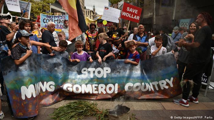 Farmers protest against coal and gas mining in Sydney (Getty Images/AFP/P. Parks)