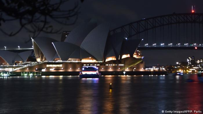 Australien Earth Hour Sydney (Getty Images/AFP/P. Parks)