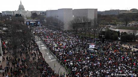У США проходять масові демонстрації за жорсткіші обмеження для продажу зброї