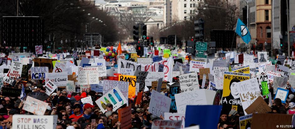 Protesto levou centenas de milhares às ruas de várias cidades americanas, como Washington