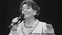 Sängerin Lys Assia (picture-alliance/dpa/H. Kaiser)