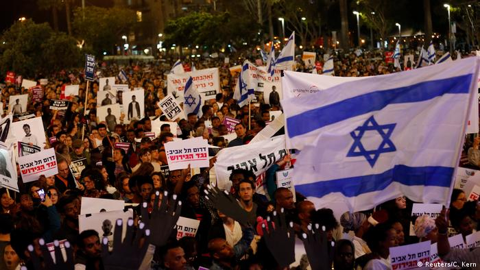Israel protest against migrant deportations