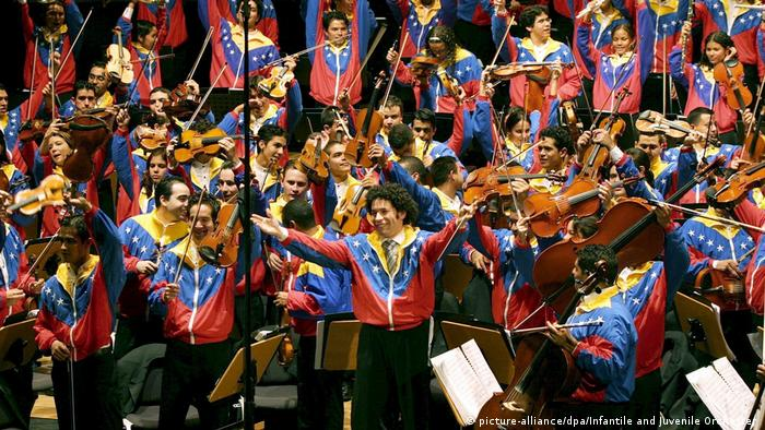 Infantile and Juvenile Orchester Venezuela (picture-alliance/dpa/Infantile and Juvenile Orchester )