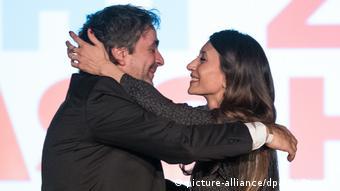 Deutschland BdT Berlin Veranstaltung Auf die Freiheit mit Deniz Yücel   mit Ehefrau Dilek Yücel
