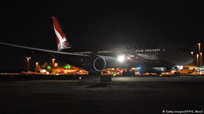 First direct flight from Australia to UK lands at London′s
