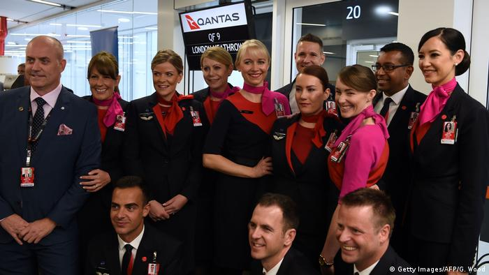 Qantas - the crew of the first direct flight from Perth to London (Getty Images/AFP/G. Wood)