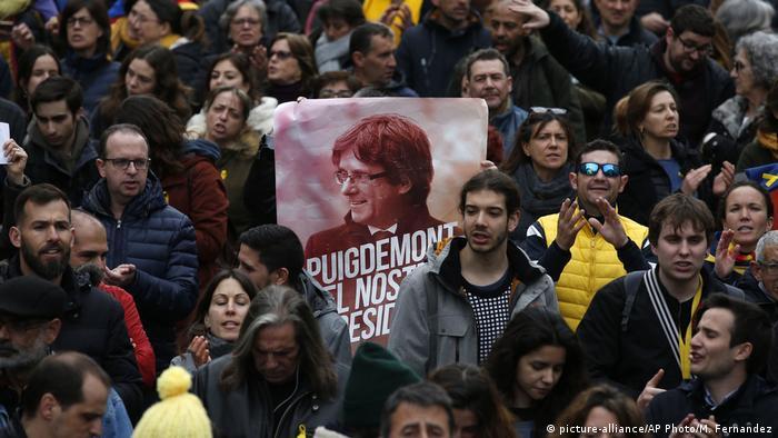 کاتالونیا پس از بازداشت پوجدمون شاهد گردهماییهای اعتراضی گستردهای بود