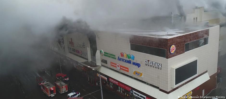 Fogo se originou num dos cinemas situados no último andar do shopping e de lá se propagou peloedifício