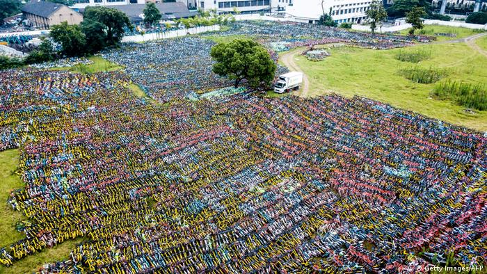 A field with thousands of bicycles. (Getty Images/AFP)