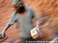 Índia: 80 centavos por cada mil tijolos carregados