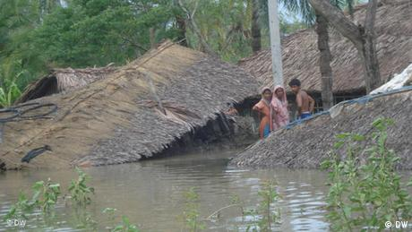 Bangladesch nach dem Zyklon Aila Flash-Galerie