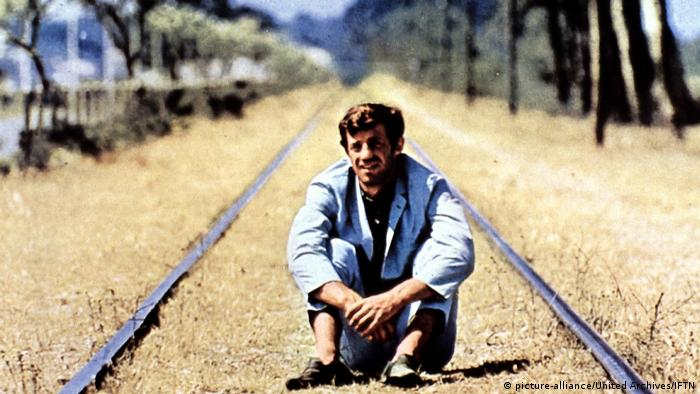 Jean-Paul Belmondo in 'Pierrot le Fou (1965) (picture-alliance/United Archives/IFTN)