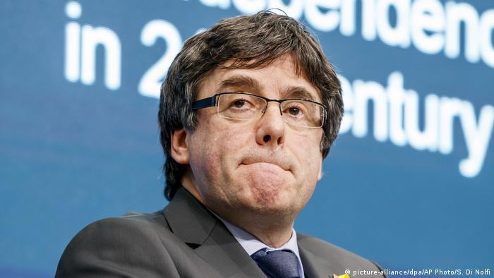 Schweiz Carles Puigdemont (picture-alliance/dpa/AP Photo/S. Di Nolfi)