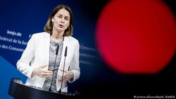 Berlin Bundesjustizministerin Katarina Barley nach Treffen mit Facebook-Delegation