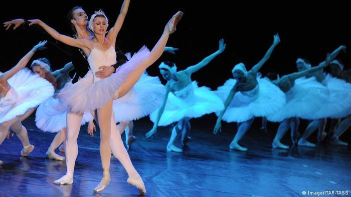 ¿Cuánto tiempo pasará hasta que podamos ver otra función de El lago de los cisnes en el Teatro Bolshói?