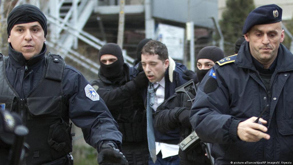 Në veri të Mitrovicës arrestohet Marko Gjuriq dhe dëbohet nga Kosova |  Ballkani | DW | 26.03.2018