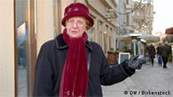 Kennt alles in Leipzig: Stadtführerin Christa Schwarz (Foto: DW)