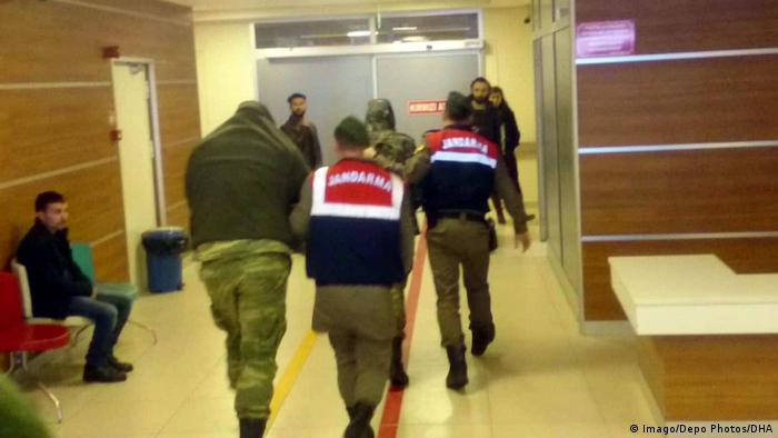 Two Greek soldiers detained in Edirne on March 2