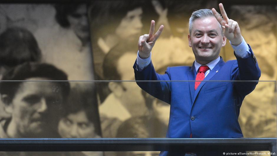 Gay mayor gets Poland's left dreaming of change