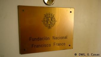 A plaque for the national Francisco Franco Foundation ( DW/L. G. Casas)