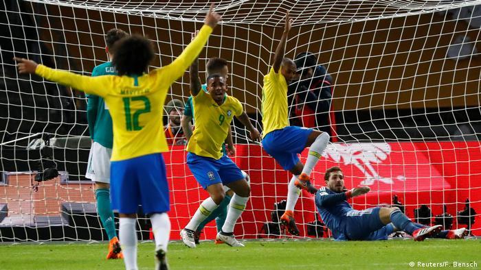 4f1fc893d6 Único gol da partida foi marcado por Gabriel Jesus aos 37 minutos do  primeiro tempo