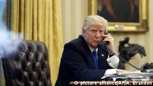 Washington Oval Office Donald Trump Telephon