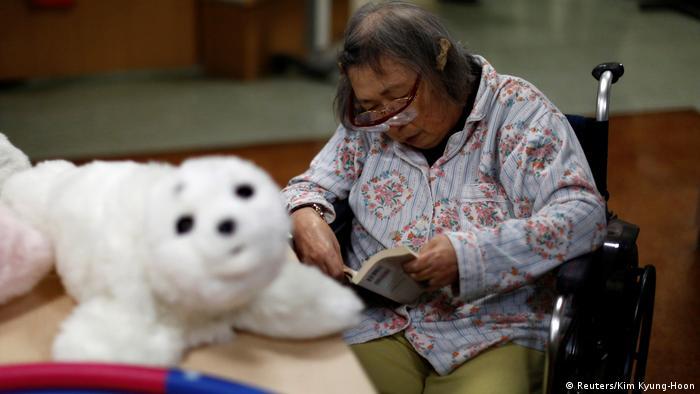 Robot en un asilo japonés.