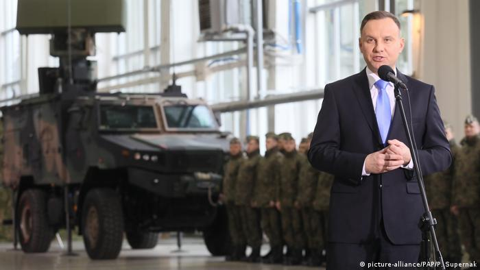Polish President Andrzej Duda at an arms deal ceremony (picture-alliance/PAP/P. Supernak)