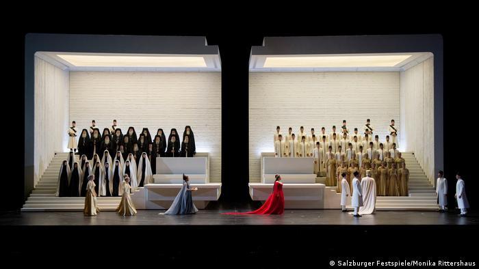 A scene from Shirin Neshat's production of Verdi's Aida at the Salzburg Festival in 2017 (Salzburger Festspiele/Monika Rittershaus)