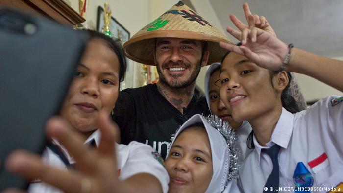 UNICEF Goodwill Ambassador David Beckham in Indonesien (© UNICEF/UN0188666/Modola)