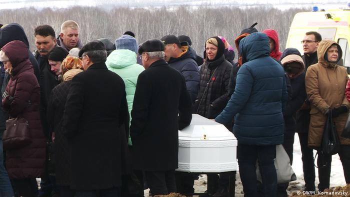 На кемеровском кладбище