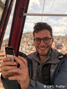 Lukas Praller über den Dächern von La Paz. Er war dort als kulturweit-Freiwilliger bei der Fundación para el Periodismo. | Lukas Praller