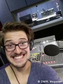kulturweit-Freiwilliger Maximilian Wegener wurde beim deutschsprachigen Radio in Windhoek schnell zum vollwertigen Redaktionsmitglied. | Maximilian Wegener