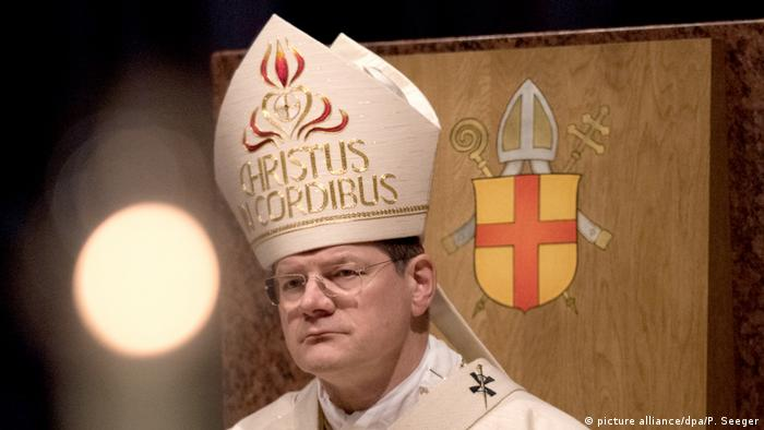 Archbishop Stephan Burgerwearing a miter (picture alliance/dpa/P. Seeger)