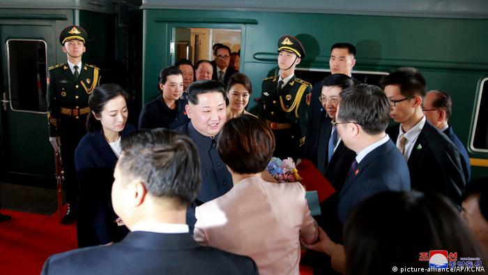 China - Besuch von Kim Jong Un - Ankunft in Peking (picture-alliance/AP/KCNA)