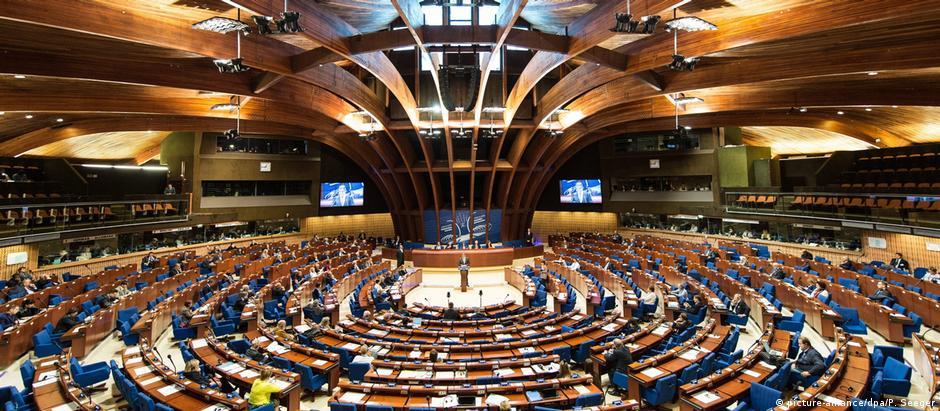 Azerbaijão teria exercido influência no Conselho Europeu para amenizar críticas ao seu histórico de direitos humanos