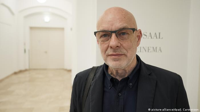 Poträt von Brian Eno in Berlin. (picture-alliance/dpa/J. Carstensen)